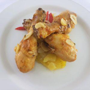 Jamoncitos de pollo al ajillo - Tuppers a domicilio Tupy